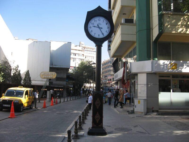 meydan_saati ve dekoratif sokak saati